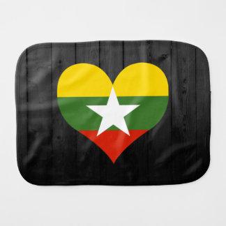 Färgad Myanmar flagga