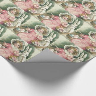Färgade ägg för flickapåskbasket kanin presentpapper