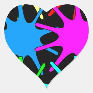 färger hjärtformat klistermärke