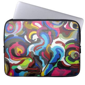 Färgglatt virvlar runt grafittidesign i San Laptop Sleeve