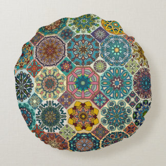 Färgrik abstrakt belägger med tegel mönsterdesign rund kudde