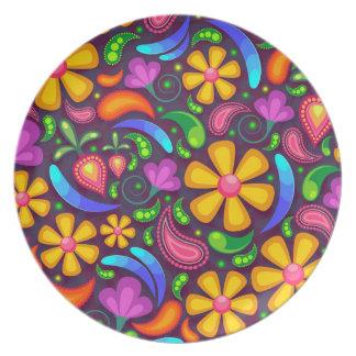 Färgrik blommönster tallrik