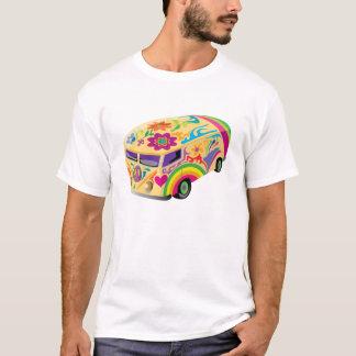 Färgrik buss till en resaskjorta t shirt