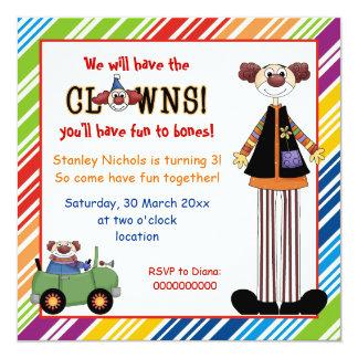 Färgrik clown görad randig gränsbarns födelsedag fyrkantigt 13,3 cm inbjudningskort