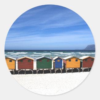 Färgrik klistermärke för strandkojarunda