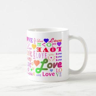 Färgrik mugg för kärlek för kärlek för kärlek för