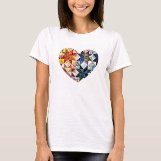 Färgrik Patchworktäckehjärta T Shirts