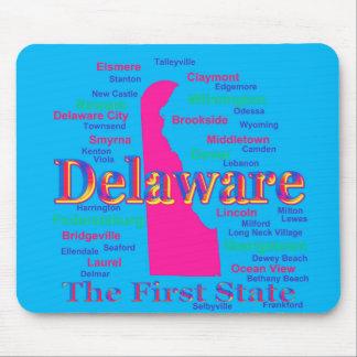 Färgrik Silhouette för Delaware statlig pridekarta Musmatta