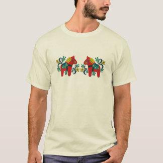 Färgrik svensk Dala hästtwillingar T Shirts