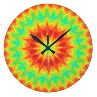 Färgrik tiefärg tar tid på stor klocka
