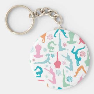 Färgrik yoga poserar mönster rund nyckelring