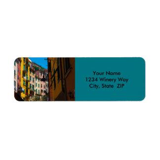 Färgrika hem i den Cinque Terre italien Returadress Etikett