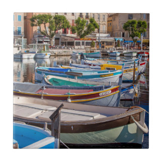 Färgrika segelbåtar kakelplatta