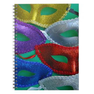 Färgrikt glitter maskerar anteckningsbok med spiral