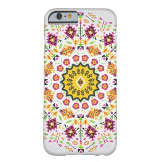 Färgrikt mönster för dekorativ runda i aztec stil barely there iPhone 6 fodral
