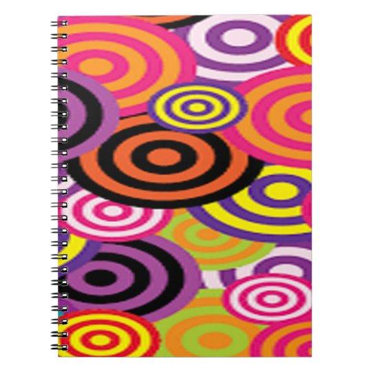 Färgrikt uppsätta som mål cirklar anteckningsbok