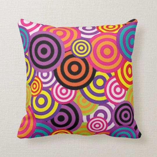 Färgrikt uppsätta som mål cirklar kudde
