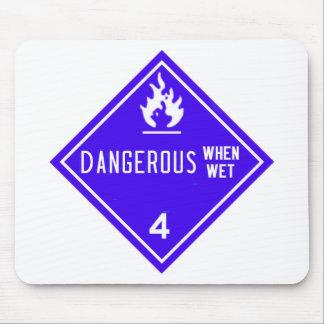 farligt när blöt musmatta
