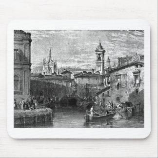 Fartygplats på Milan och att dra av Leitch som Musmatta