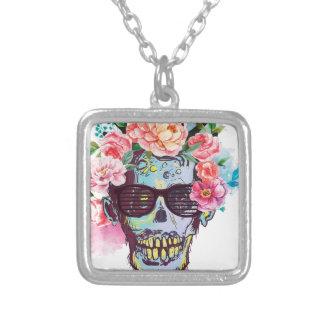 Fasa för skelett för Wellcoda Zombieskalle Halsband Med Fyrkantigt Hängsmycke