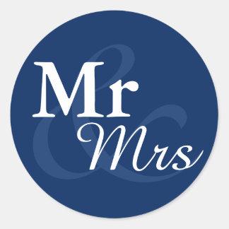 Favör för bröllop Mr&Mrs för elegant typografi Runt Klistermärke