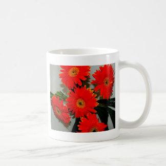 Fem röda blommor kaffemugg