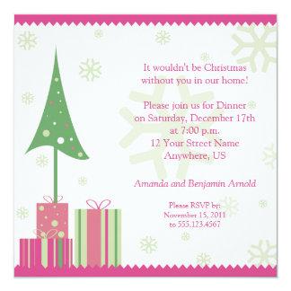 Festlig julinbjudan för rosor och för grönt fyrkantigt 13,3 cm inbjudningskort