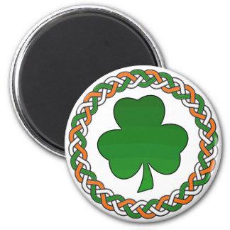Festlig magnet för enkel celtic irländsk shamrock