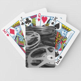 Filma rullen/filmrullen som leker kort spelkort