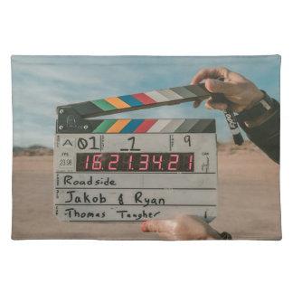Filmdirektörapplåden filmar biokameran bordstablett