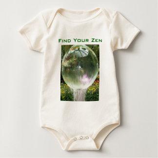 Finna din begynna onsieranka för zenen body för baby