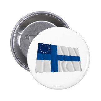 Finska-Amerikan som vinkar flagga Nål