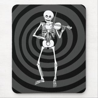 Fiol som leker skelett musmatta