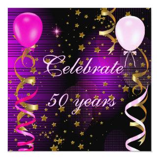 Fira 50 rosa purpurfärgade stjärnor för den 50th fyrkantigt 13,3 cm inbjudningskort