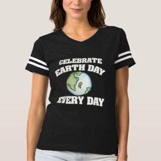Fira jorddagen varje dag t shirts