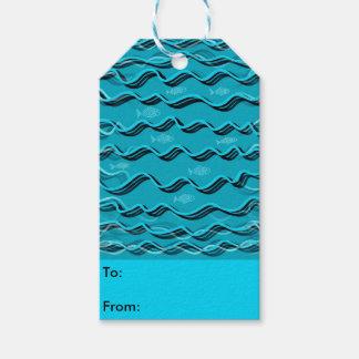Fisk i vattendesignen på gåvamärkre pack av presentetiketter
