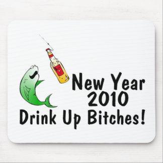 Fisk och öl för nytt år 2010 mus mattor