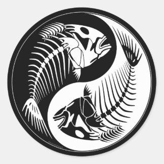Fiskben Yang Runt Klistermärke