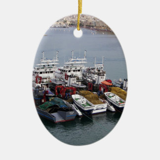 Fiskebåtar i Valletta Julgransprydnad Keramik