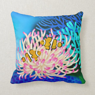 Fisken för korallrevclownen i anemon kudder kudde
