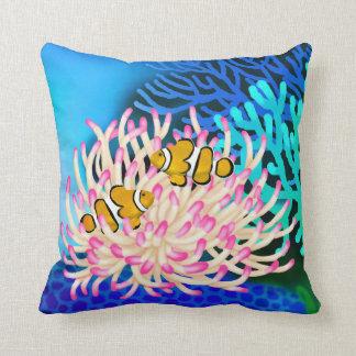 Fisken för korallrevclownen i anemon kudder prydnadskuddar