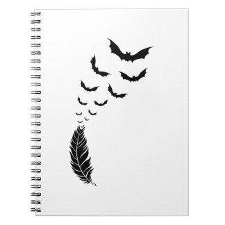 Fjäder med flygfladdermöss anteckningsbok