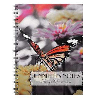 Fjäril på blommor anteckningsbok med spiral