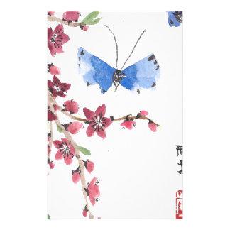 Fjärilar och rosablommor brevpapper