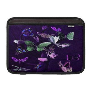 Fjärilar på lilor MacBook air sleeve
