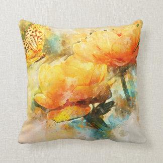 Fjärils- och gula blommorvattenfärgstil kudde