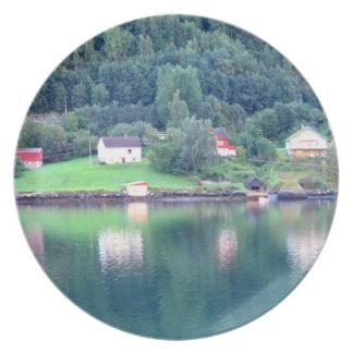 Fjordreflexioner 2 tallrik