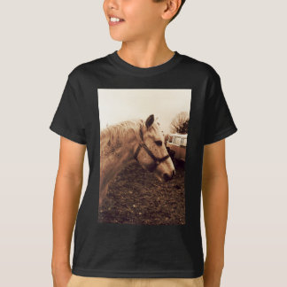 Fläckig häst och buss tshirts