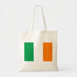 Flagga av den Irland budgettotot hänger lös Budget Tygkasse