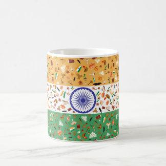 Flagga av Indien med kulturella objekt Vit Mugg